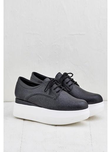 Elle Dolgu Tabanlı Ayakkabı Siyah